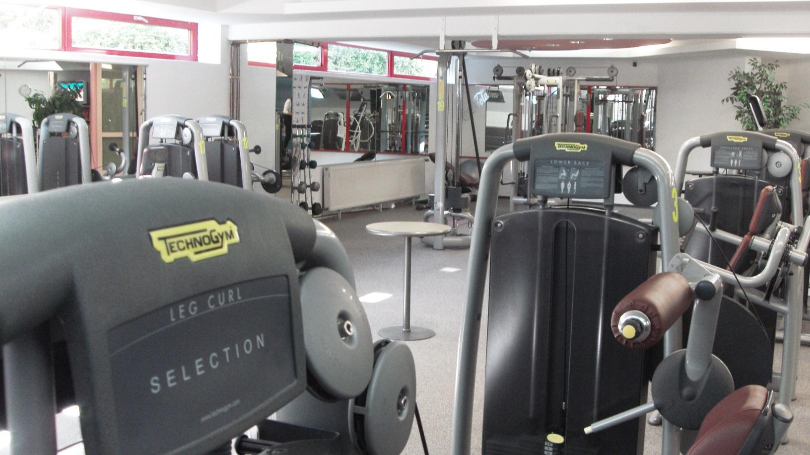 Fitness Halle 1